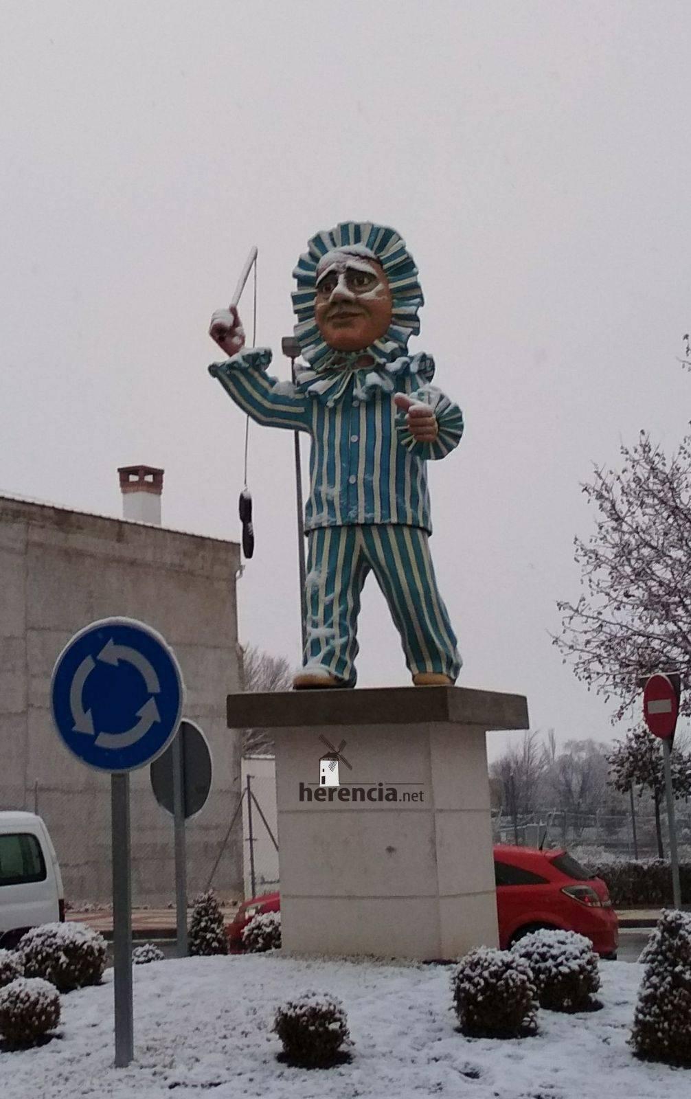 Perlé nevado para inaugurar el Carnaval de Herencia