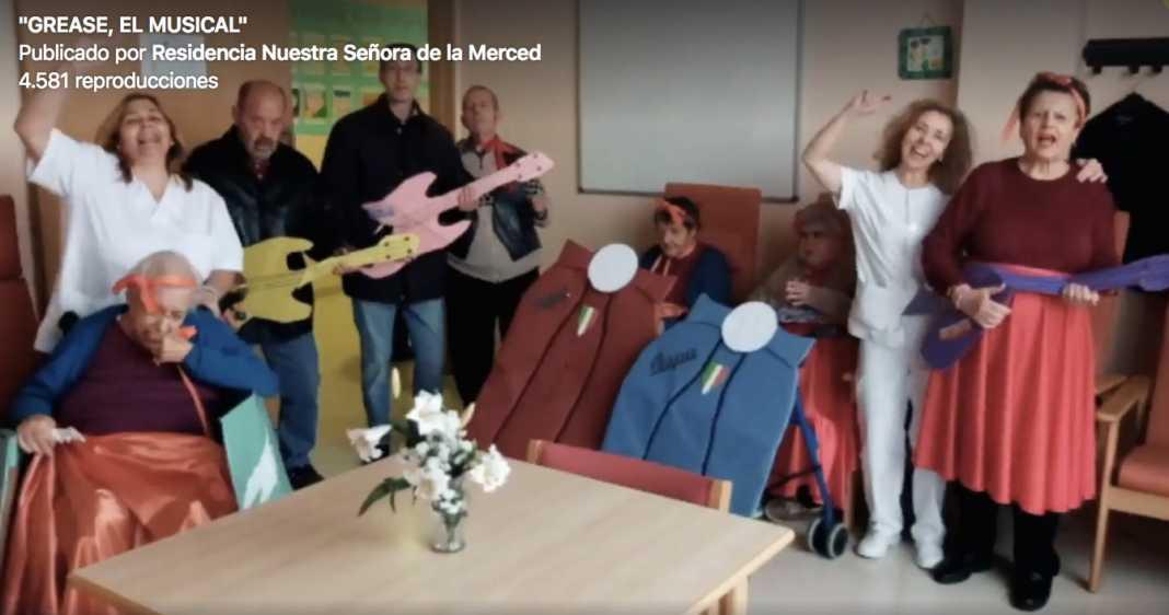 """Carnaval en la Residencia Nuestra Señora de la Merced con """"Grease, el musical"""" 1"""