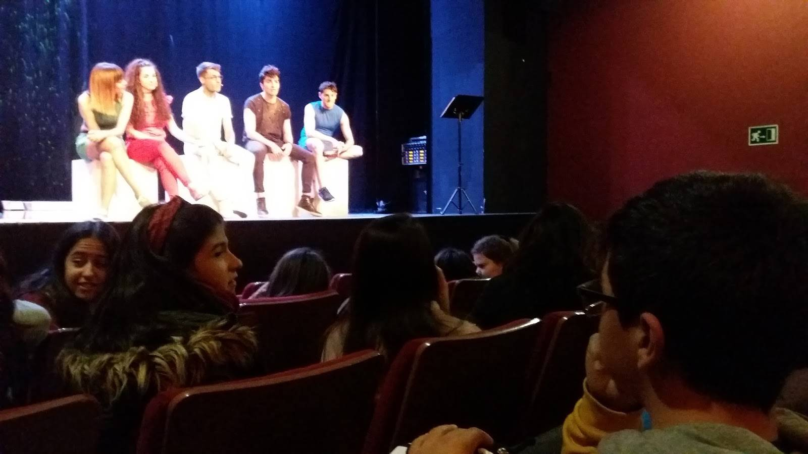 teatro contra el acoso escolar - IES Hermógenes Rodríguez contra el acoso escolar