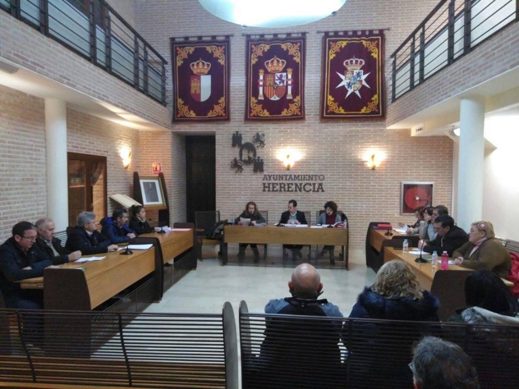 """unanimidad pleno municipal despues carnaval 1068x801 - PP de Herencia: """"Mucha multa y poca seguridad Ciudadana"""""""