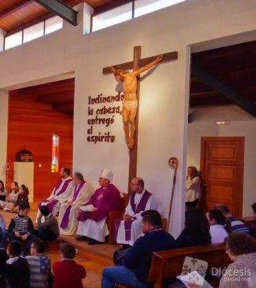 Encuetro Matrimonios en Herencia1 373x420 - Herencia fue sede de la primera convivencia de matrimonios diocesana