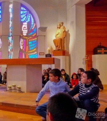 Encuetro Matrimonios en Herencia2 373x420 - Herencia fue sede de la primera convivencia de matrimonios diocesana