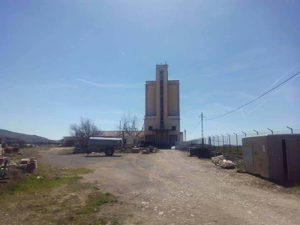 Silo - El antiguo silo de trigo de Herencia ya es de titularidad municipal