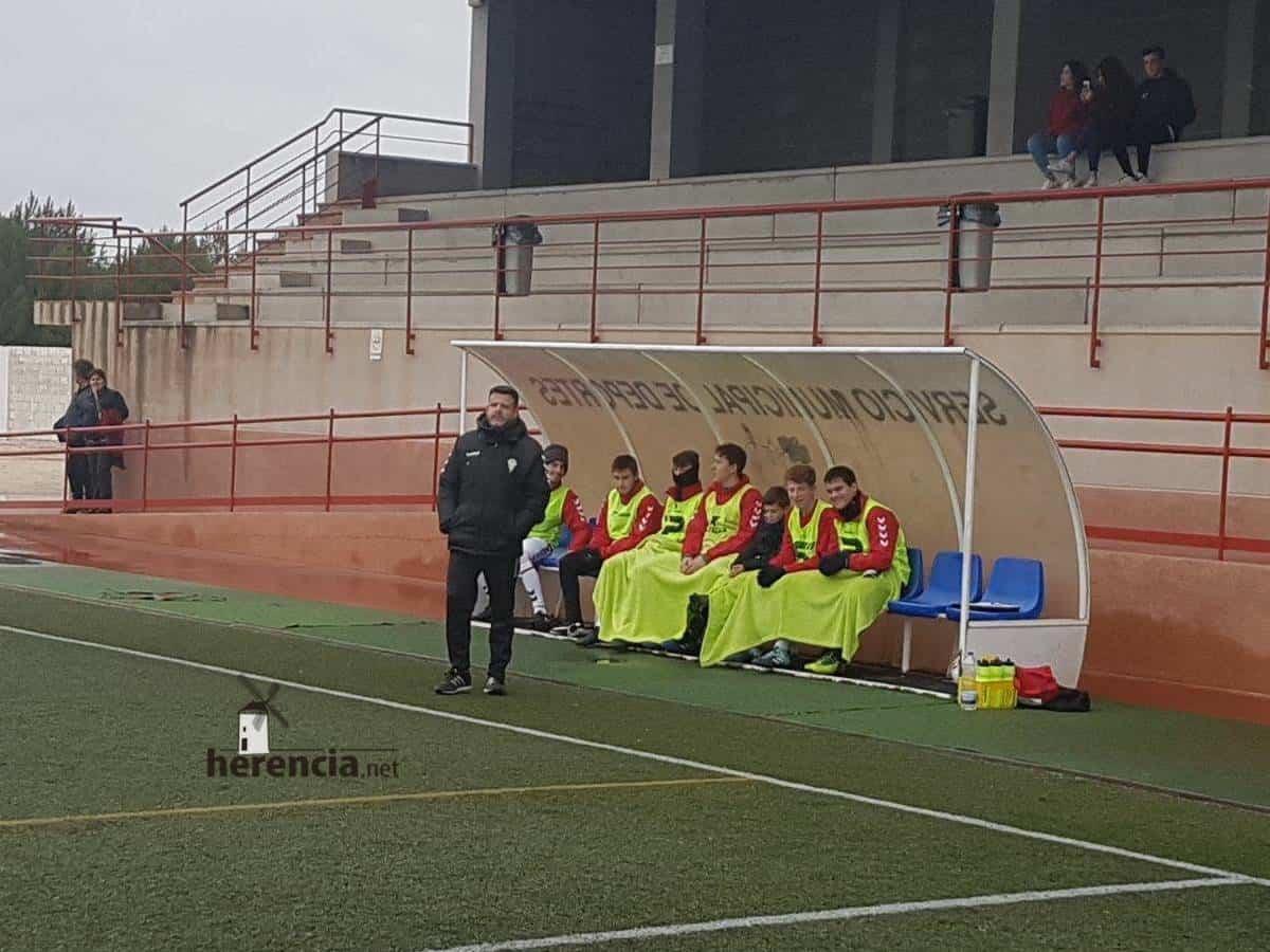 Chechu nuevo entrenador del primer equipo del Herencia C.F. 6