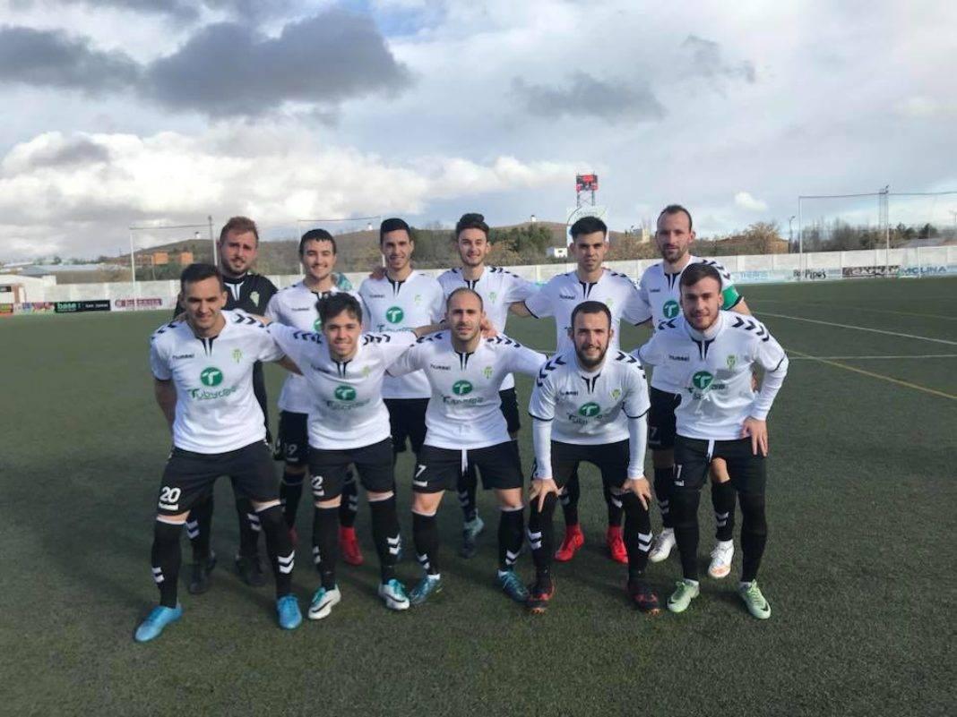 equipo herencia cf 1068x801 - Victoria en el debut de Chechu como entrenador del equipo senior