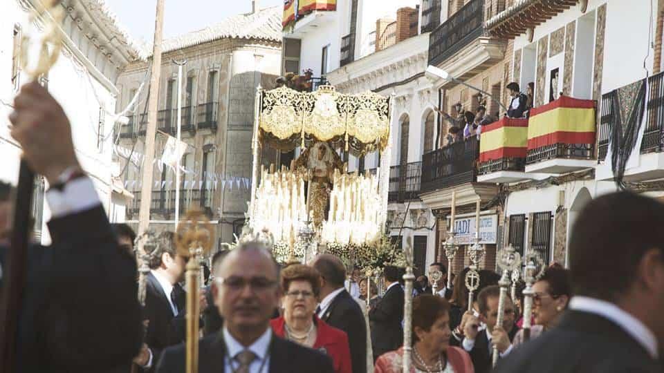 hermandad el santo portada - Jesús Romero Nuñez realizará el cartel de Semana Santa de San Bartolomé 2018