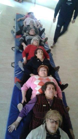 taller de risoterapia centro de mayores Herencia2 314x558 - La risa protagonista en el Centro de Mayores de Herencia