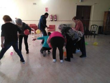taller de risoterapia centro de mayores Herencia4 369x277 - La risa protagonista en el Centro de Mayores de Herencia