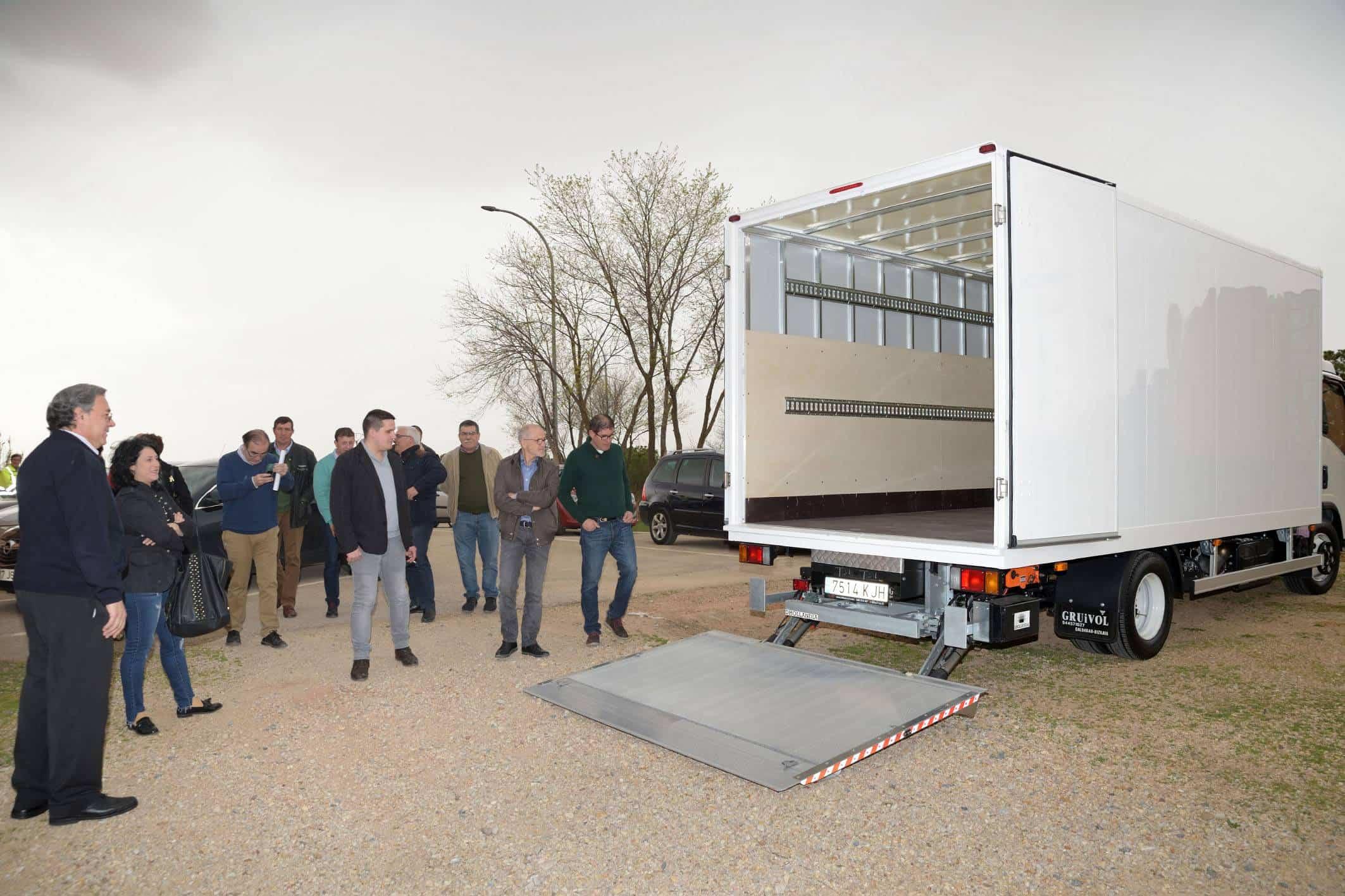 20180412 Camion Nuevo Comsermancha - Comsermancha celebra la sesión plenaria del mes de abril en la planta de RSU