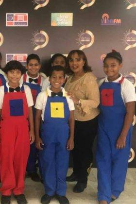 Corito Chichigua premio al ministerio musical infantilde Santo Domingo 16