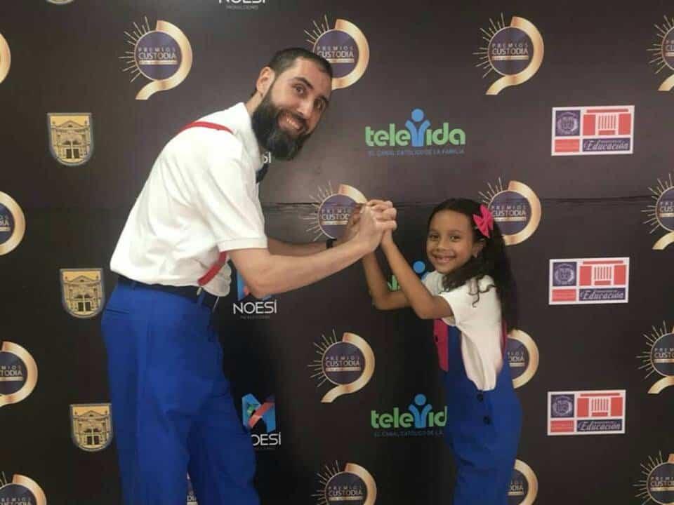 Corito Chichigua premio al ministerio musical infantilde Santo Domingo 8