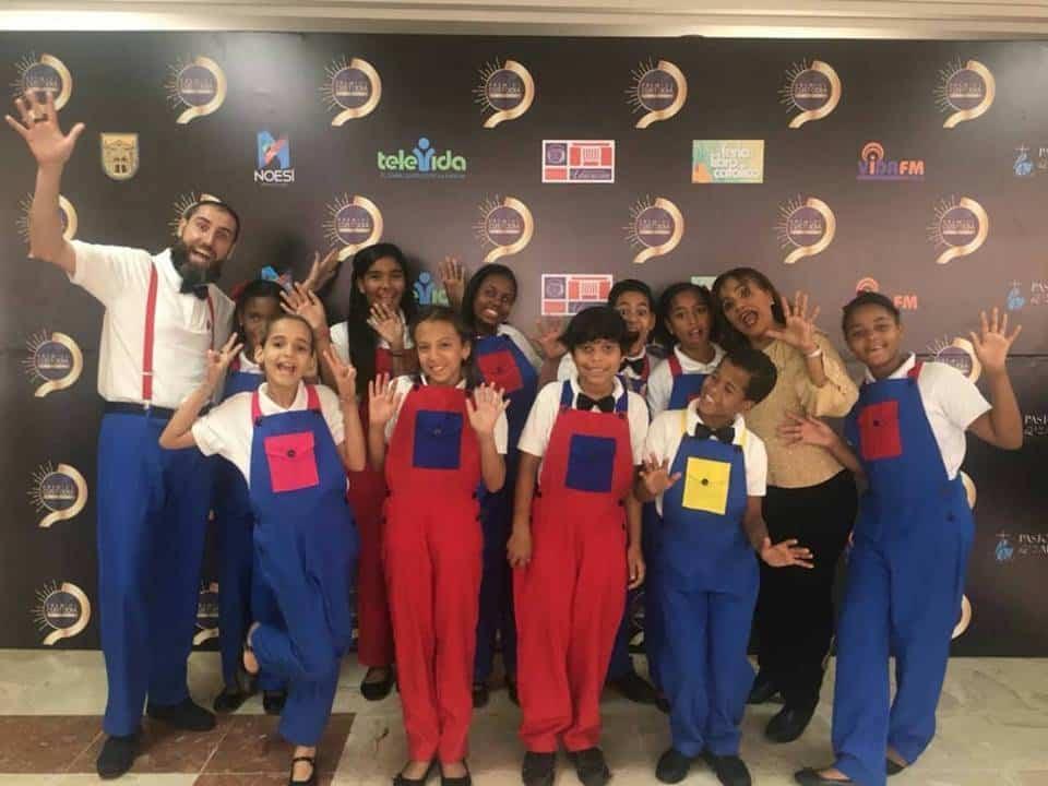 Corito Chichigua premio al ministerio musical infantilde Santo Domingo 7