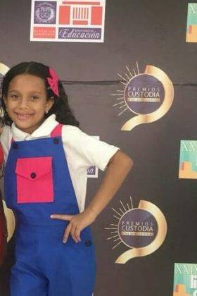 Corito Chichigua premio Custoria 2018 de Republica Dominicana13 280x420 - Corito Chichigua premio al ministerio musical infantilde Santo Domingo