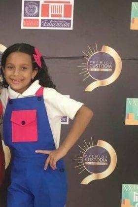 Corito Chichigua premio al ministerio musical infantilde Santo Domingo 13
