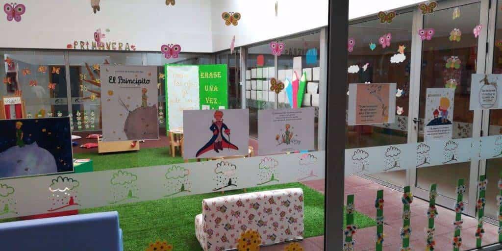 """Escuela Infantil de Herencia homenaje a El Principito3 - La Escuela Infantil recuerda el libro de """"El Principito"""" en su 75 aniversario"""