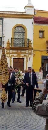 Hermandad de El Santo en su peregrinacion a la Esperanza de Triana de Sevilla1 158x420 - La hermandad de El Santo peregrina hasta la Capilla de los Marineros de Sevilla