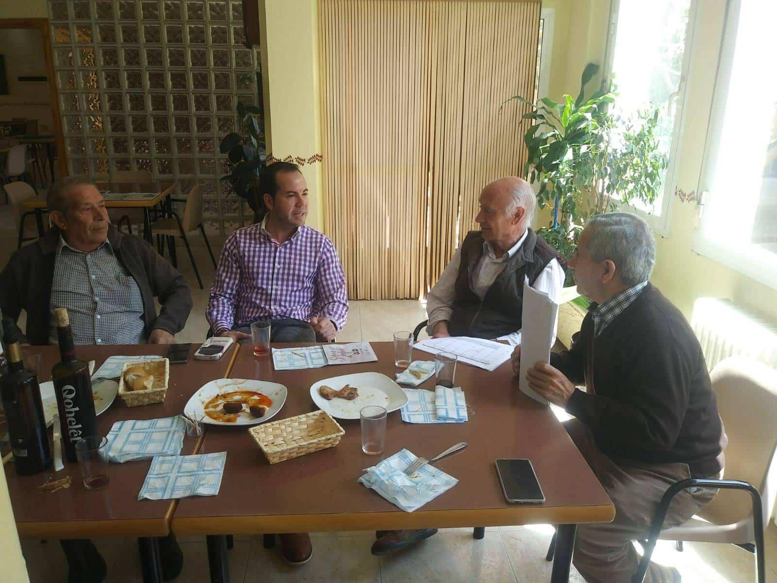 abril 2018 consejo de mayores herencia - Alcalde comparte vino con el Consejo de Mayores de Herencia