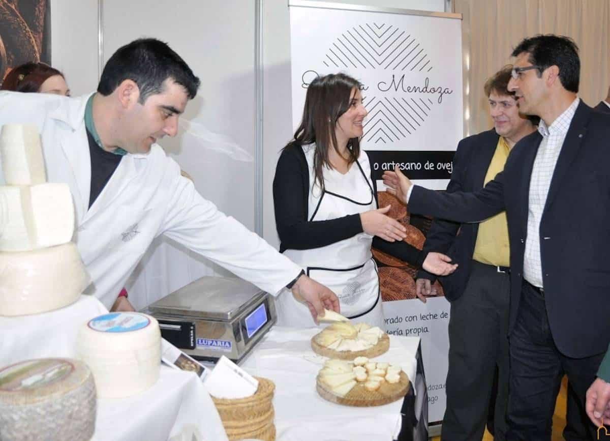 """caballero diputacion inagura queso sabores herencia - Caballero inaugura el sábado """"Los Sabores del Quijote"""" dedicada al queso"""