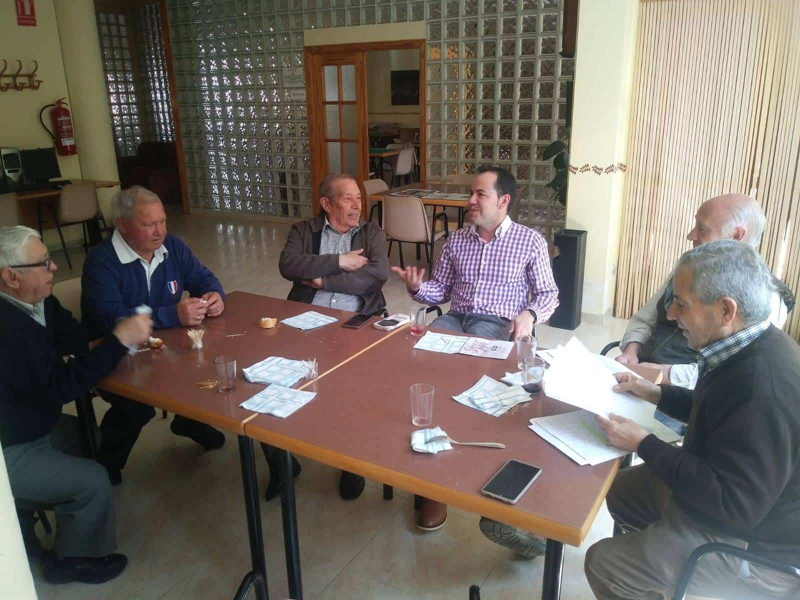 consejo mayores herencia abril 2018 - Alcalde comparte vino con el Consejo de Mayores de Herencia