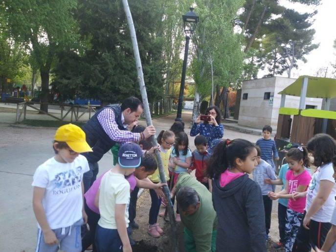 dia del arbol en Herencia