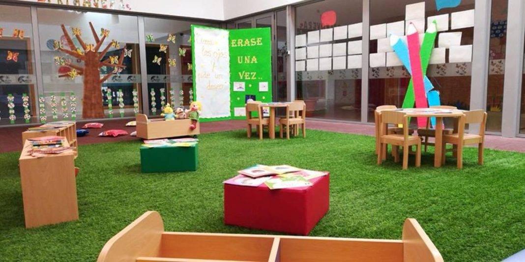 Fotogalería del día del Libro en la Escuela Infantil de Herencia 13