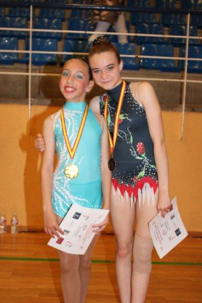 Celia martín en la Segunda fase del campeonato regional de guimnasia ritmica 399x599 - Celia Martín subcampeona regional alevín de gimnasia rítmica