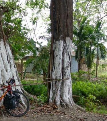 Elías Escribano llega a Bangladesh. Crónica de Perlé por el mundo 113
