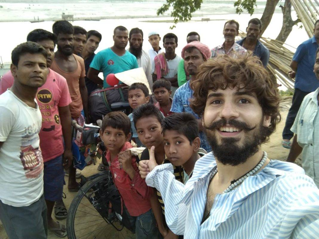 Elías Escribano llega a Bangladesh. Crónica de Perlé por el mundo 132
