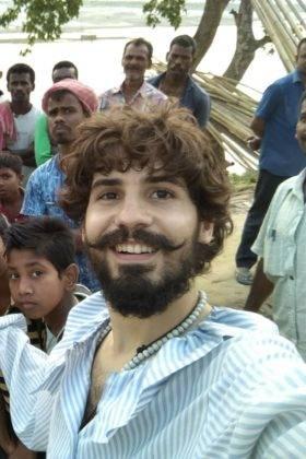 Elías Escribano llega a Bangladesh. Crónica de Perlé por el mundo 107