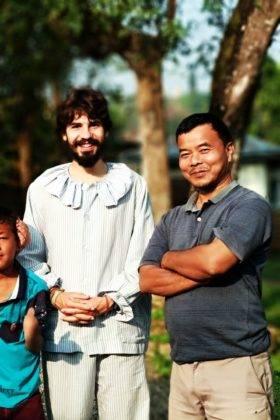 Elias Escrina Perle por el mundo y sus peripecias hasta llegar a Bangla Desh27 280x420 - Elías Escribano llega a Bangladesh. Crónica de Perlé por el mundo