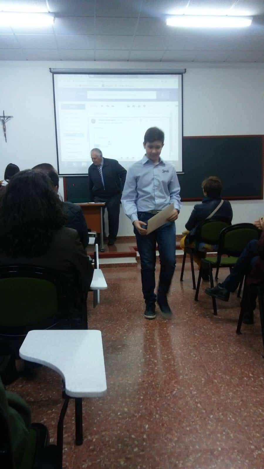 Juan Garcia gana el concurso de relatos de la asociacion amigos del seminario - Jóvenes de la parroquia de Herencia premiados por la asociación de Amigos del Seminario