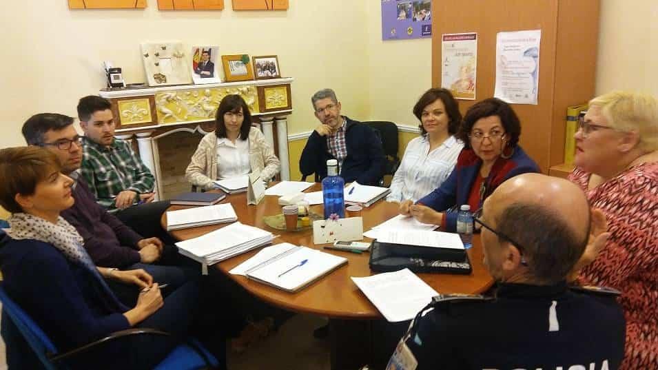 Mesa de trabajo de sobre jovenes y drogas - Constituida una mesa de trabajo en relación a jóvenes y drogas