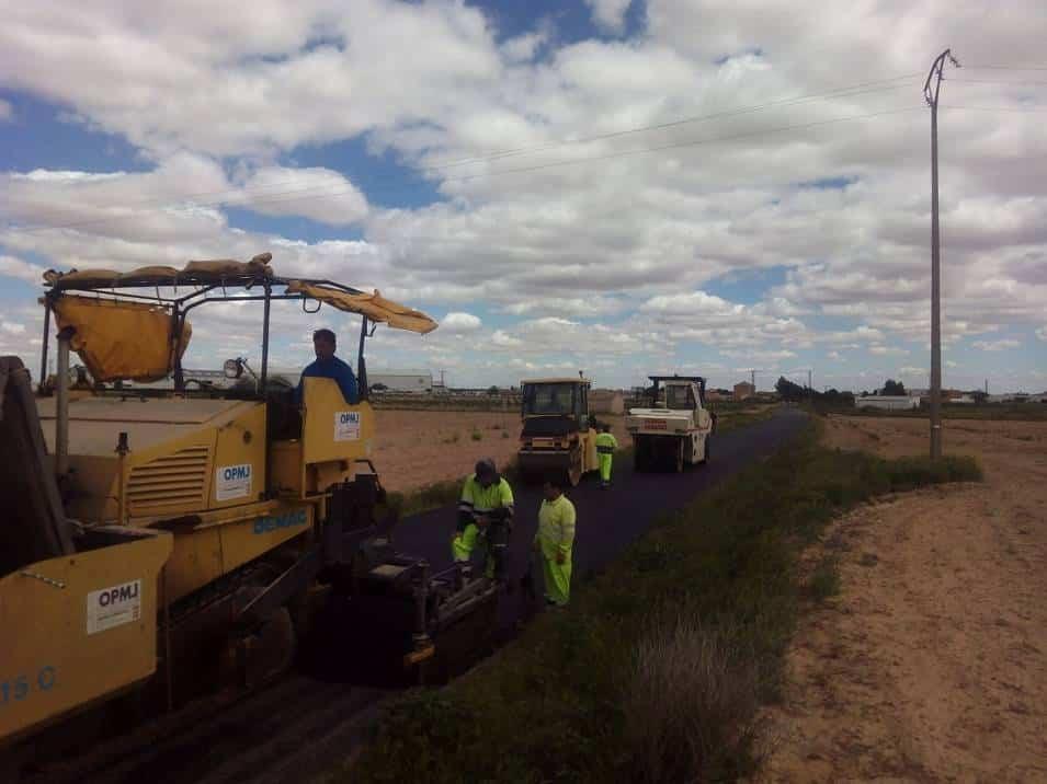 arreglo caminos de acceso a La Pedriza de Herencia - El Ayuntamiento asfalta los caminos de acceso a la Pedriza