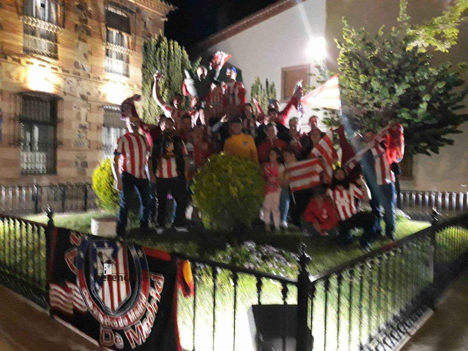 atletico madrid vencedor europa league herencia 1 - Los atléticos de Herencia celebran ser campeones de la Europa League