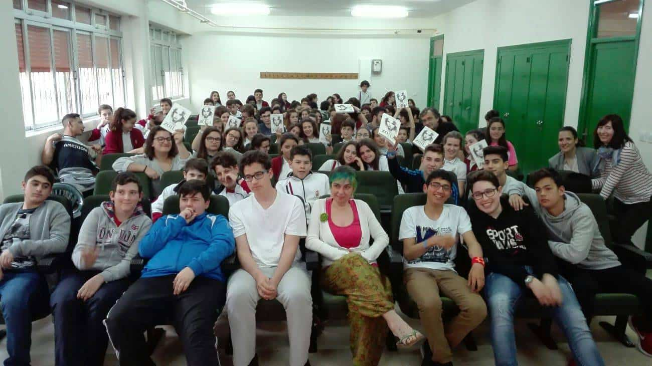 """escritora Chiki Fabregat en herencia - La escritora Chiki Fábregat visita a los jóvenes participantes del proyecto lector """"Los Inmortales"""""""