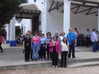 mayores de Herencia de Senderismo en Campo de Criptana 320x240 - Los mayores de Herencia de senderismo por Campo de Criptana
