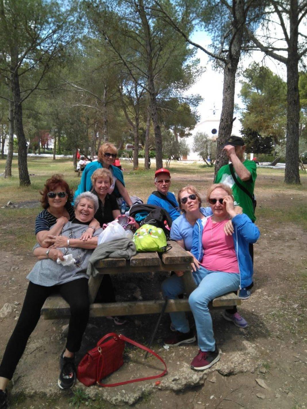 Los mayores de Herencia de senderismo por Campo de Criptana 9