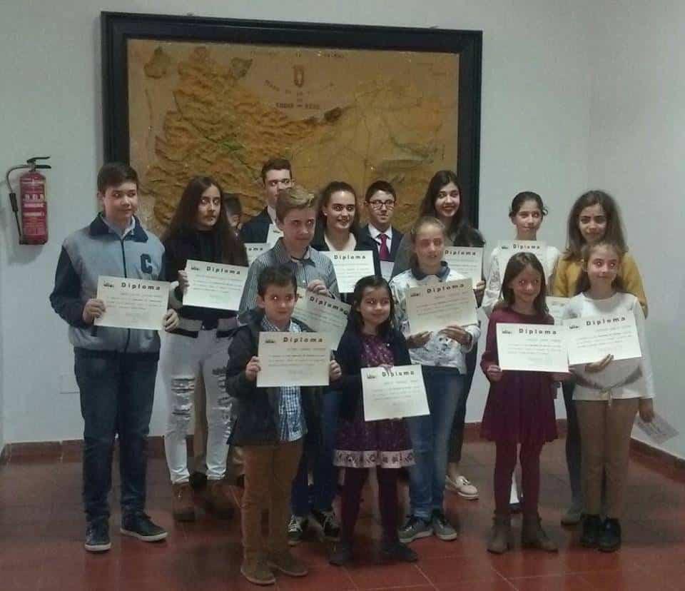 premiados por la asociacion de magios del seminario - Jóvenes de la parroquia de Herencia premiados por la asociación de Amigos del Seminario