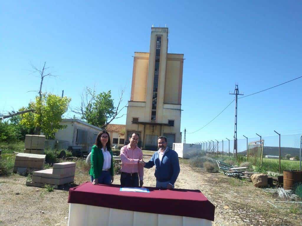 """quhesalia - Ayuntamiento y Mancha Norte firman el convenio que subvenciona el proyecto """"Quhesalia"""""""