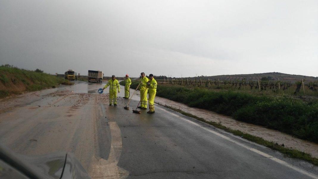 tromba agua herencia carreteras afectadas 4 1068x601 - Una tromba de agua afectó a carreteras cercanas a Herencia