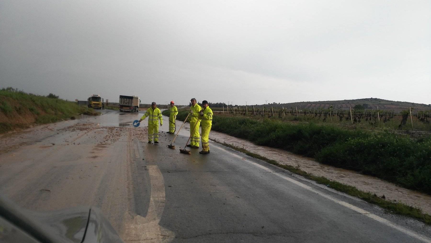 tromba agua herencia carreteras afectadas 4 - Una tromba de agua afectó a carreteras cercanas a Herencia