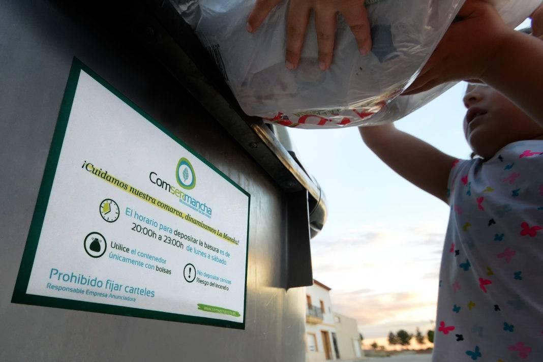 Comsermancha recuerda que el horario para el uso de los contenedores 4