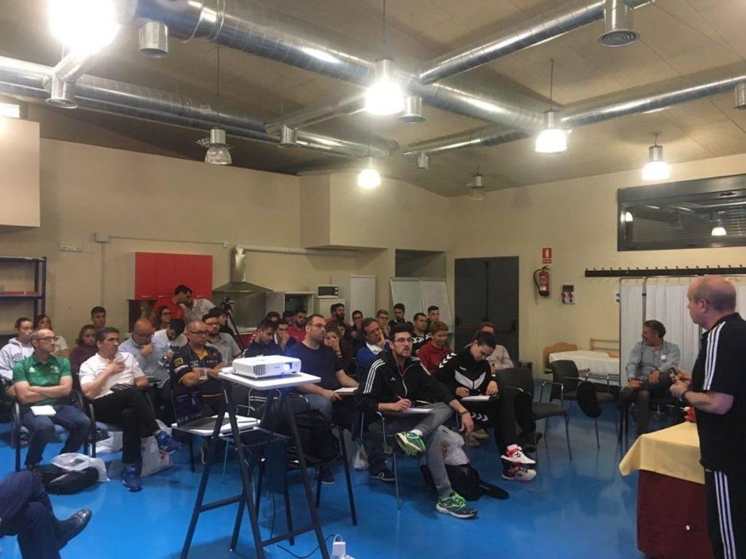Este fin de semana se celebra el II Clinic de balonmano de Herencia 9