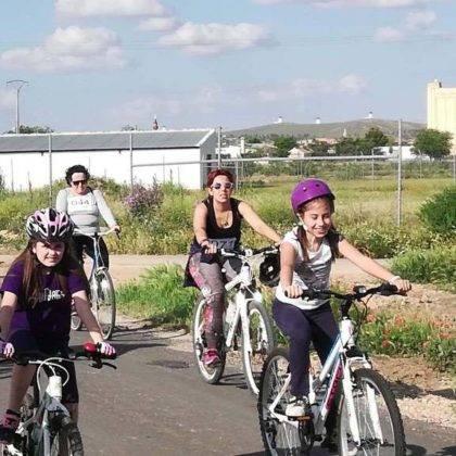 IX Marcha en bicicleta contra el cancer38 420x420 - Galería de fotos y vídeo de la XI Marcha en bicicleta