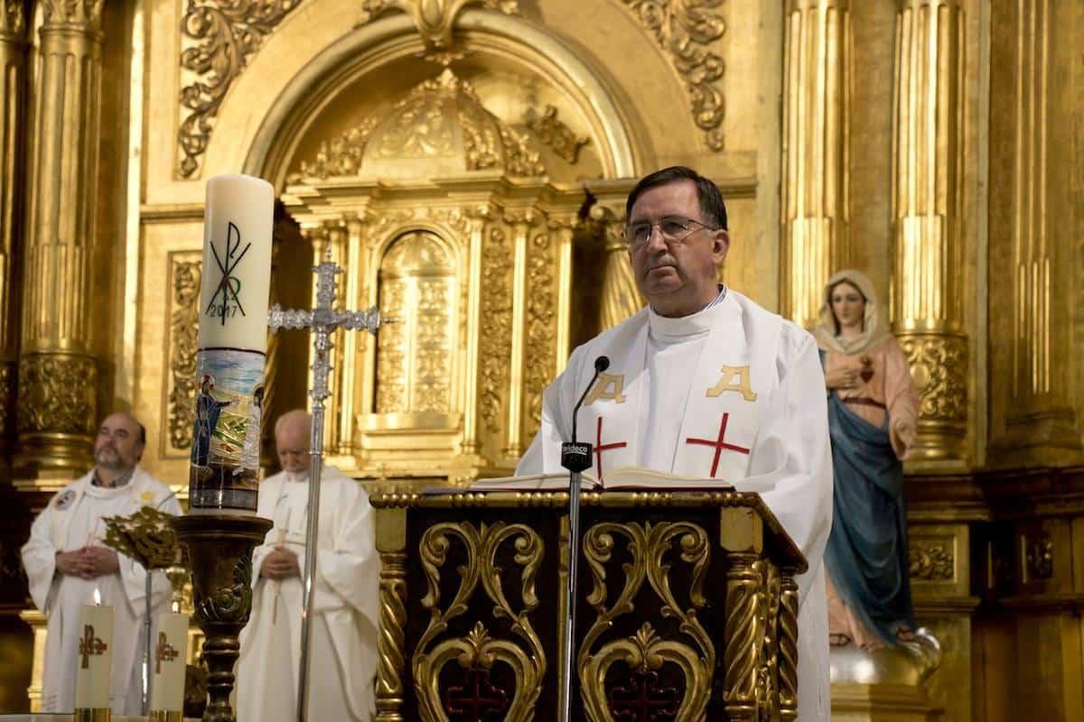 Miguel Angel Angora sacerdote parroco - Fallece D. Miguel Ángel Angora que fue párroco durante 17 años en Herencia