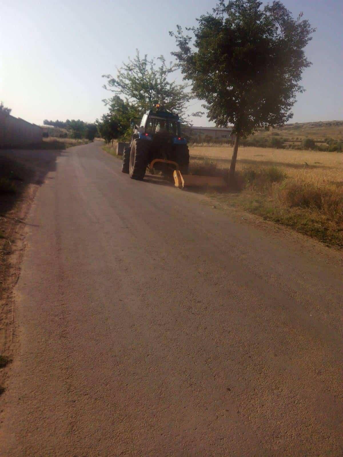 acondicionamiento camino san cristobal - Limpieza de las cunetas y firmes del camino de San Cristobal