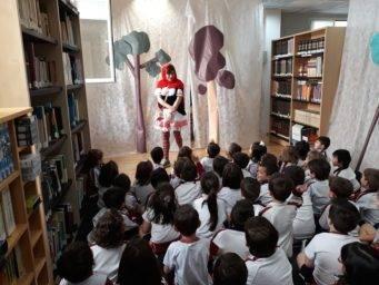 cuentacuentos biblioteca Herencia 341x256 - Cuentacuentos en la biblioteca para los colegios de Herencia