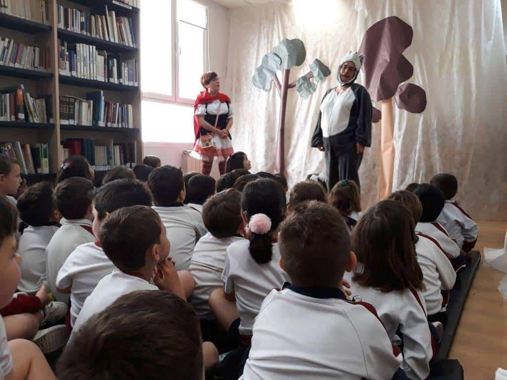 Cuentacuentos en la biblioteca para los colegios de Herencia 3