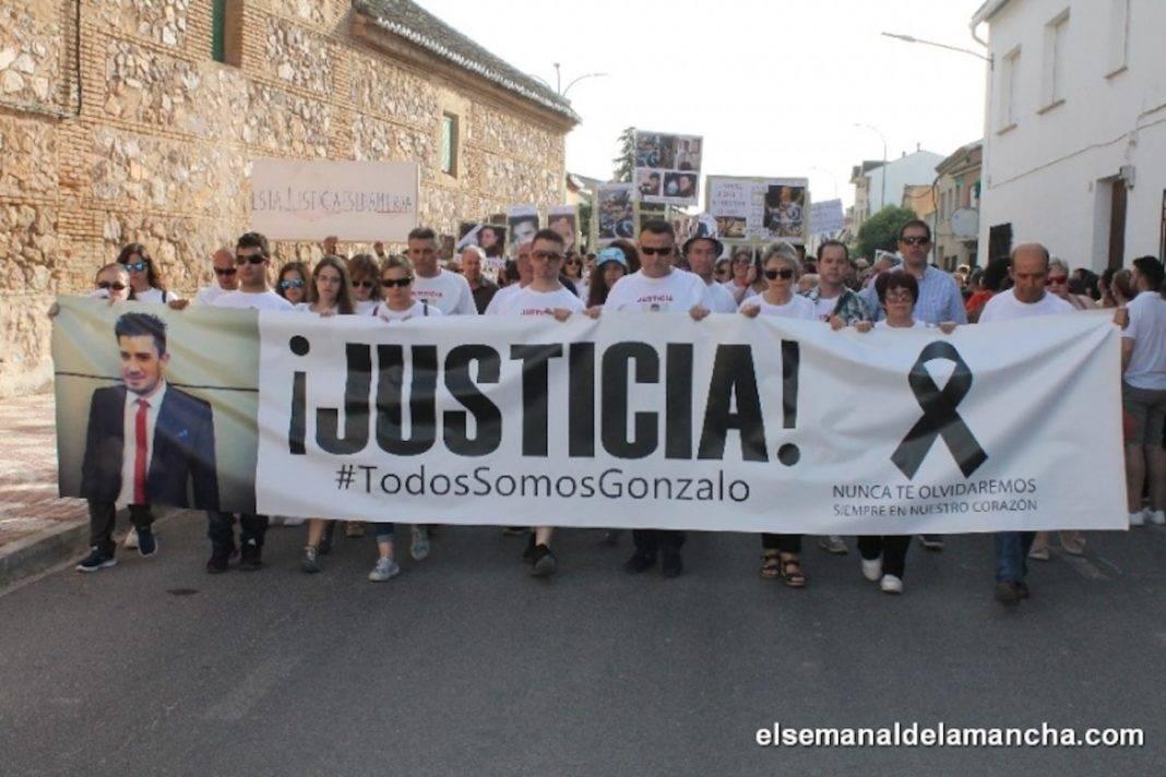manifestacion justicia por gonzalo herencia 1068x712 - Herencia sale de nuevo a la calle para reclamar Justicia por Gonzalo