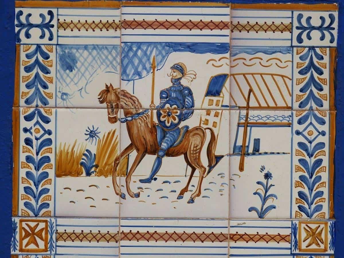 placa ceramica quijote - Herencia, lugar de La Mancha cuyo pueblo siempre querrá recordar a Cervantes
